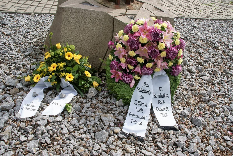 Gedenkstunde am Mahnmal Ruhrallee
