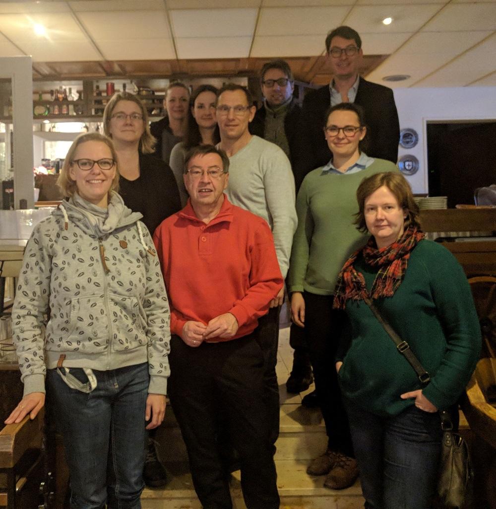 """Das Projektteam mit Heinz-Dieter Düdder (vorne: 2.v.l.) hat mit den Vorbereitungen für """"Körne blüht auf"""" begonnen."""