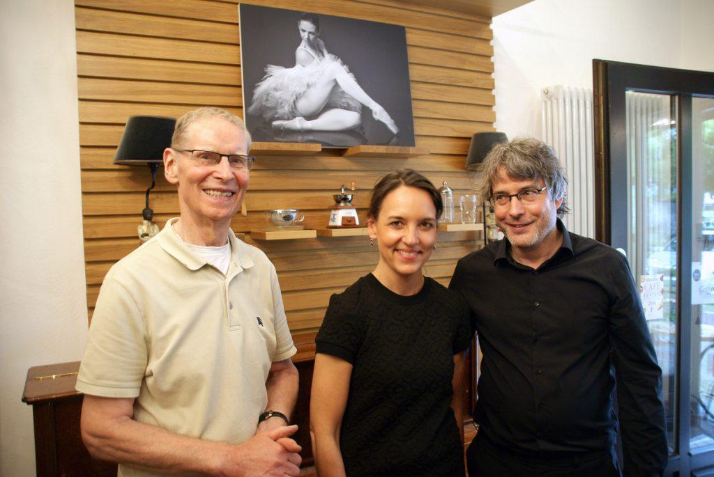 Willi Wigger (links) mit Godela Bozzetti und Friedemann Dipper (Foto: Rüdiger Beck)