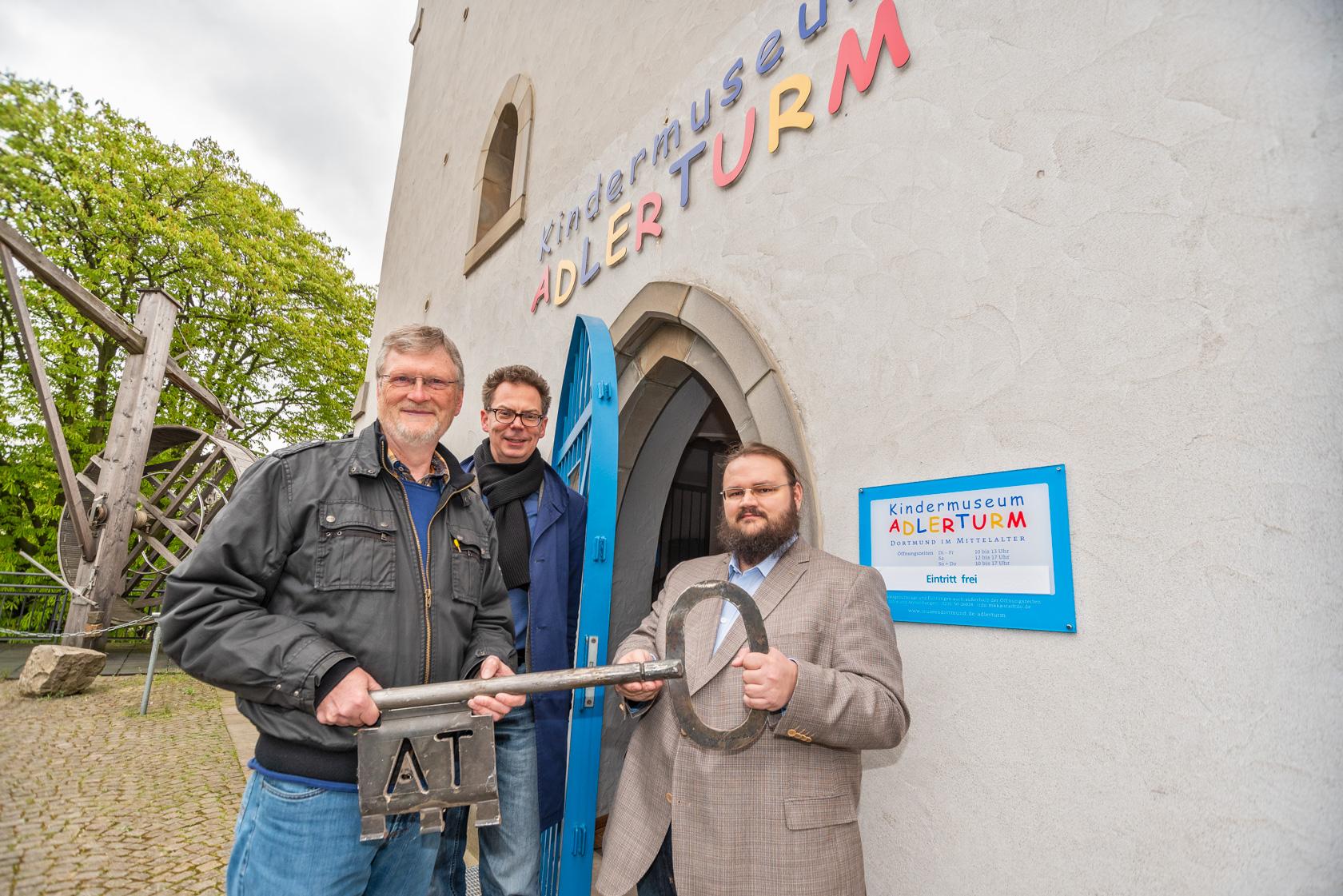 Wechsel am Kindermuseum Adlerturm: Karl Heinrich Deutmann übergibt an Philipp Sulzer