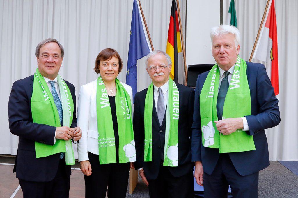 Empfang im Rathaus mit (v.li.) Ministerpräsident Armin Laschet, Präses Annette Kurschus, Hans Leyendecker (Präsident des DEKT) und Oberbürgermeister Ullrich Sierau. (Foto: Gaye Suse Kromer, Dortmund Agentur)