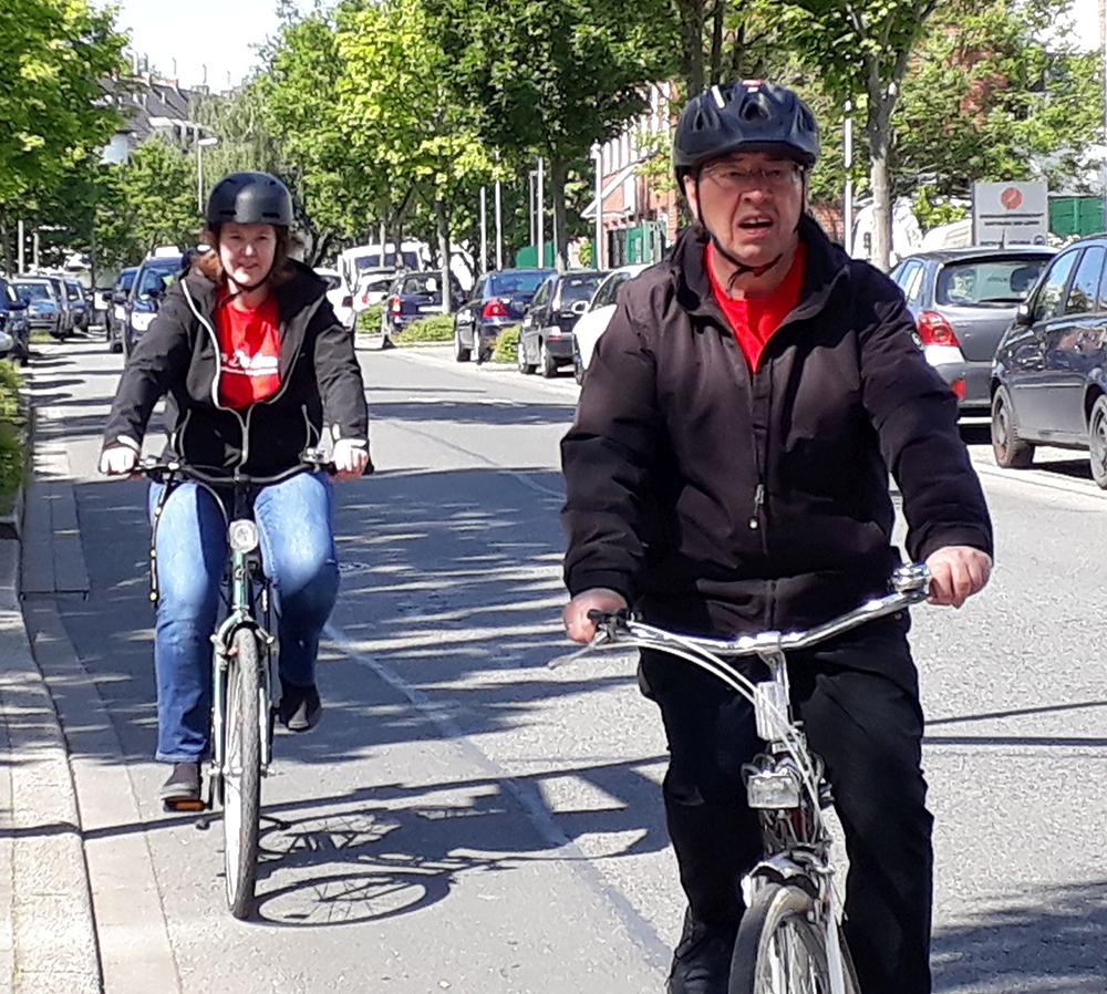Mit dem Fahrrad unterwegs: Christina Alexandrowiz und Heinz-Dieter Düdder
